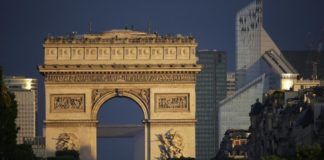 © Reuters.  Bank of France forecasts third-quarter French economic growth at 0.3%